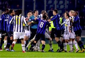 inter-juventus-fight-300x204-4437365